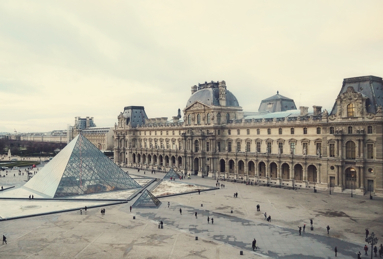 The Louvre. #classic